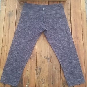 Lululemon Cropped Purple & Black Legging